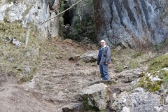 Me-Cave-Dovedale